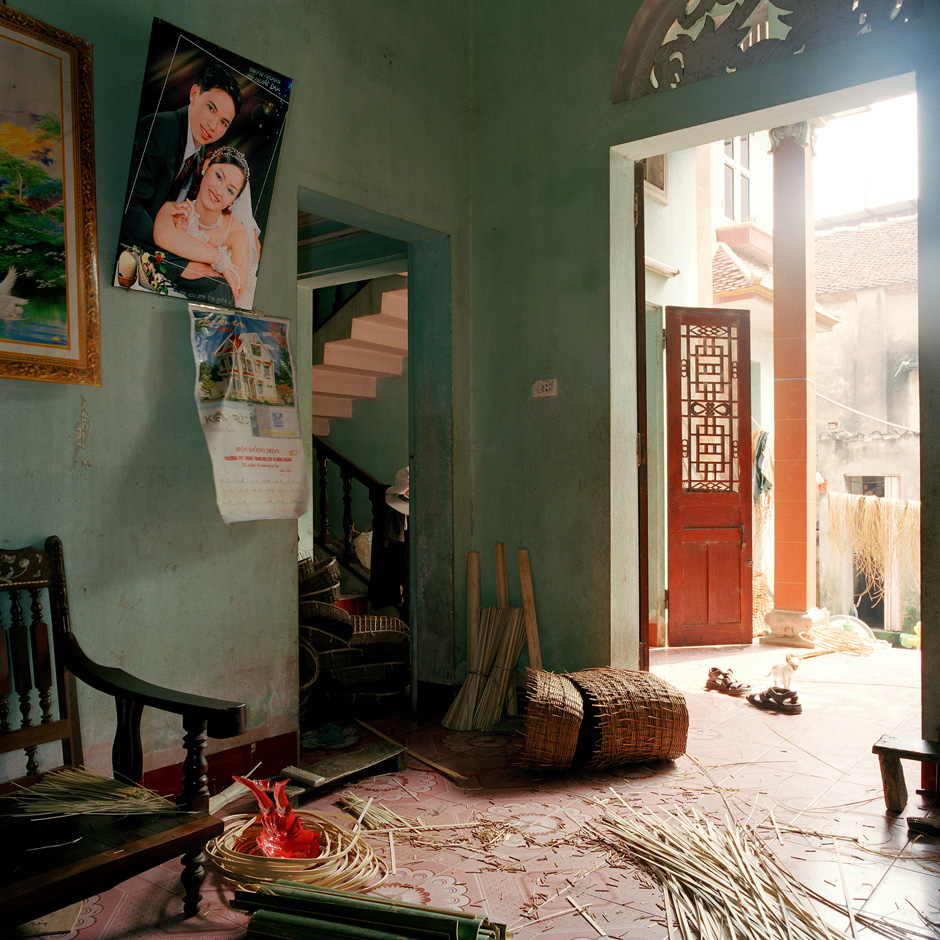 Vietnam - Craft villages - Interior of a home in Luu Thuong te grass weaving village