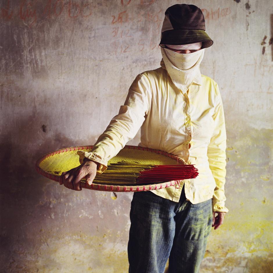 Vietnam - Craft villages - Portrait of a worker in Cao an incense stick making village